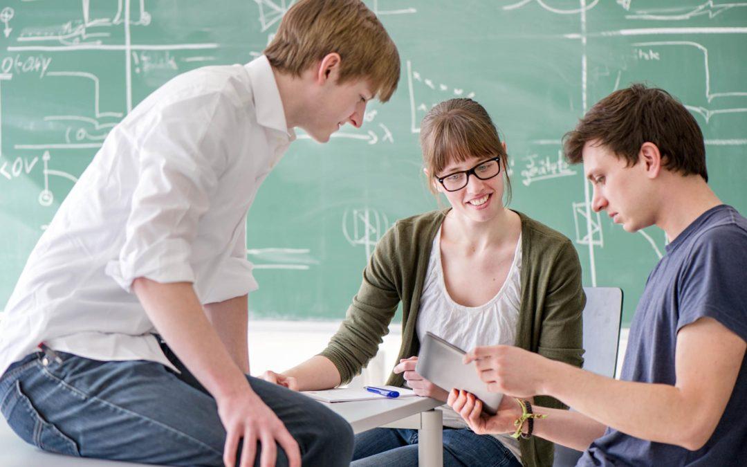 Fördert computerbasiertes Lernen Argumentationsfähigkeiten und Wissenserwerb von SchülerInnen?