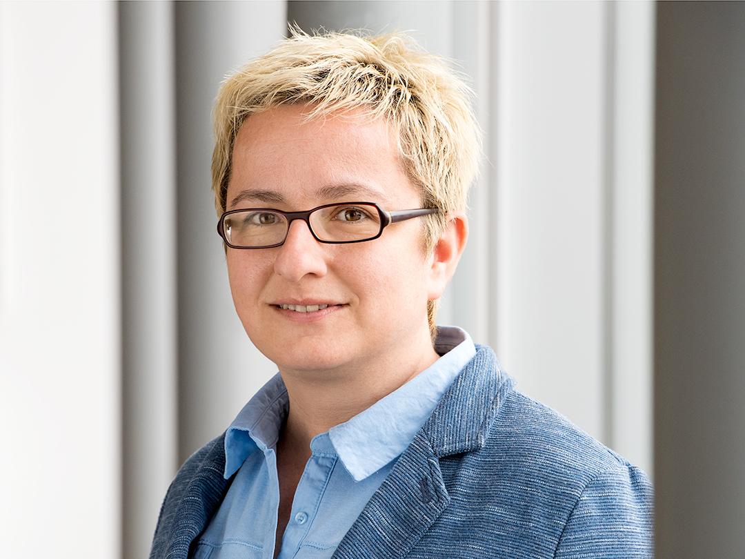 Dr. Freydis Vogel