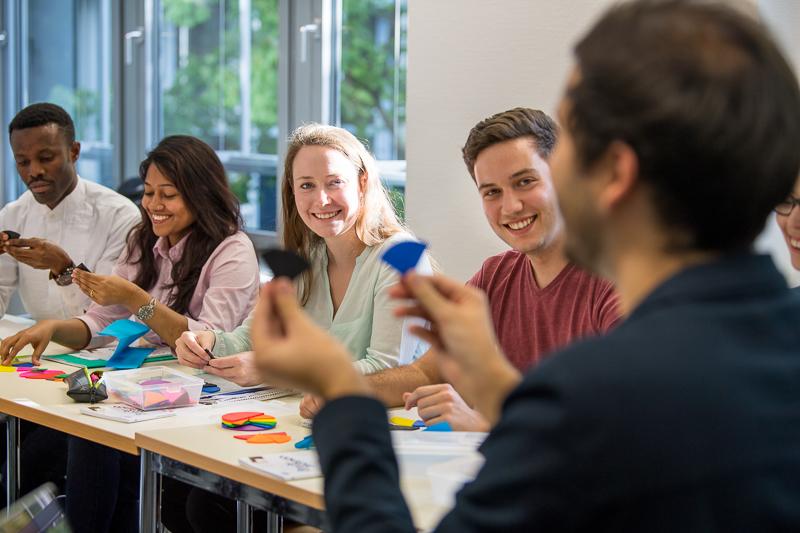 Soziales und emotionales Lernen in der Schule = bessere Leistungen?