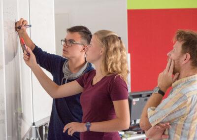Wie wirksam ist Flipped Classroom? Erste wissenschaftliche Erkenntnisse für die Sekundarstufe